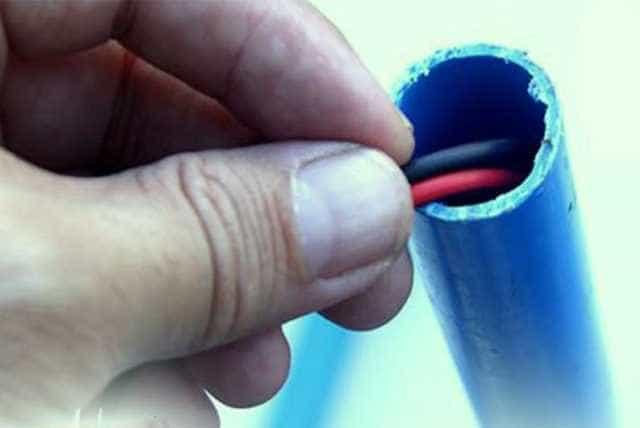 провода в трубе