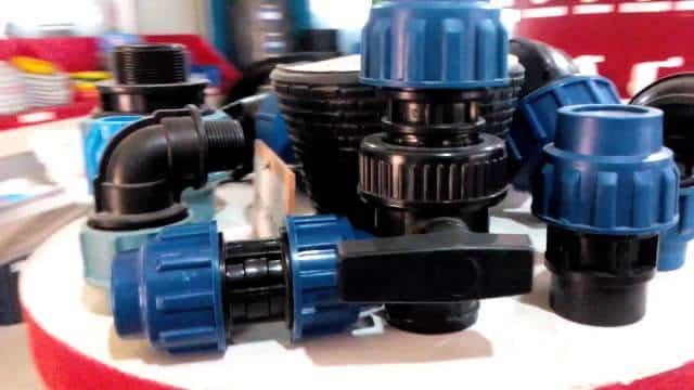 Труба полиэтиленовая водопроводная - характеристики и выбор для самостоятельного монтажа