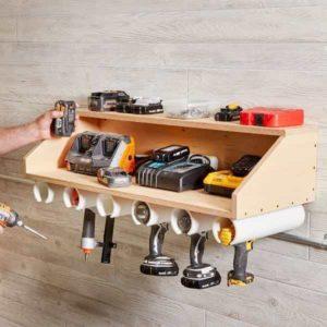 полка для хранения дрелей и электроинструмента