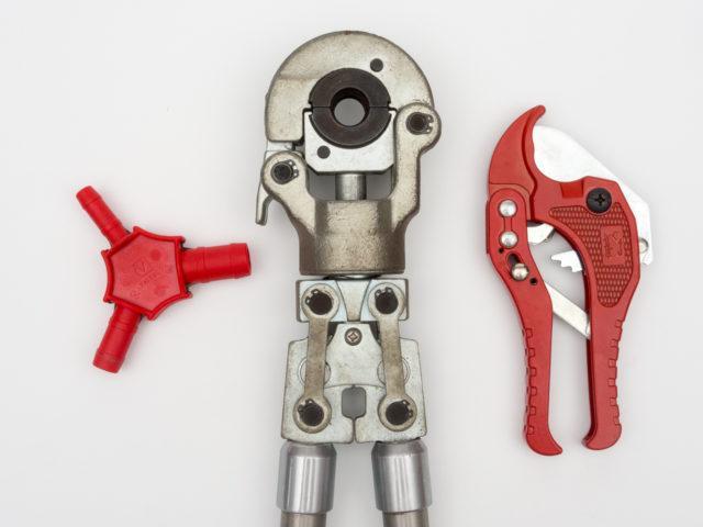 Резак, калибратор, пресс-клещи для монтажа металлопластиковых труб